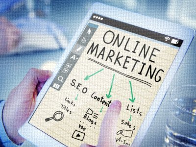 Online Advertising and Web Traffic